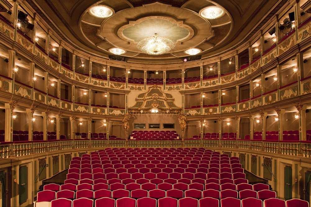 Der leere Saal des Markgrafentheaters Erlangen.